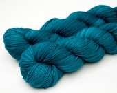 "Willow Sport Yarn (100% Superwash Merino) in ""Teal"""