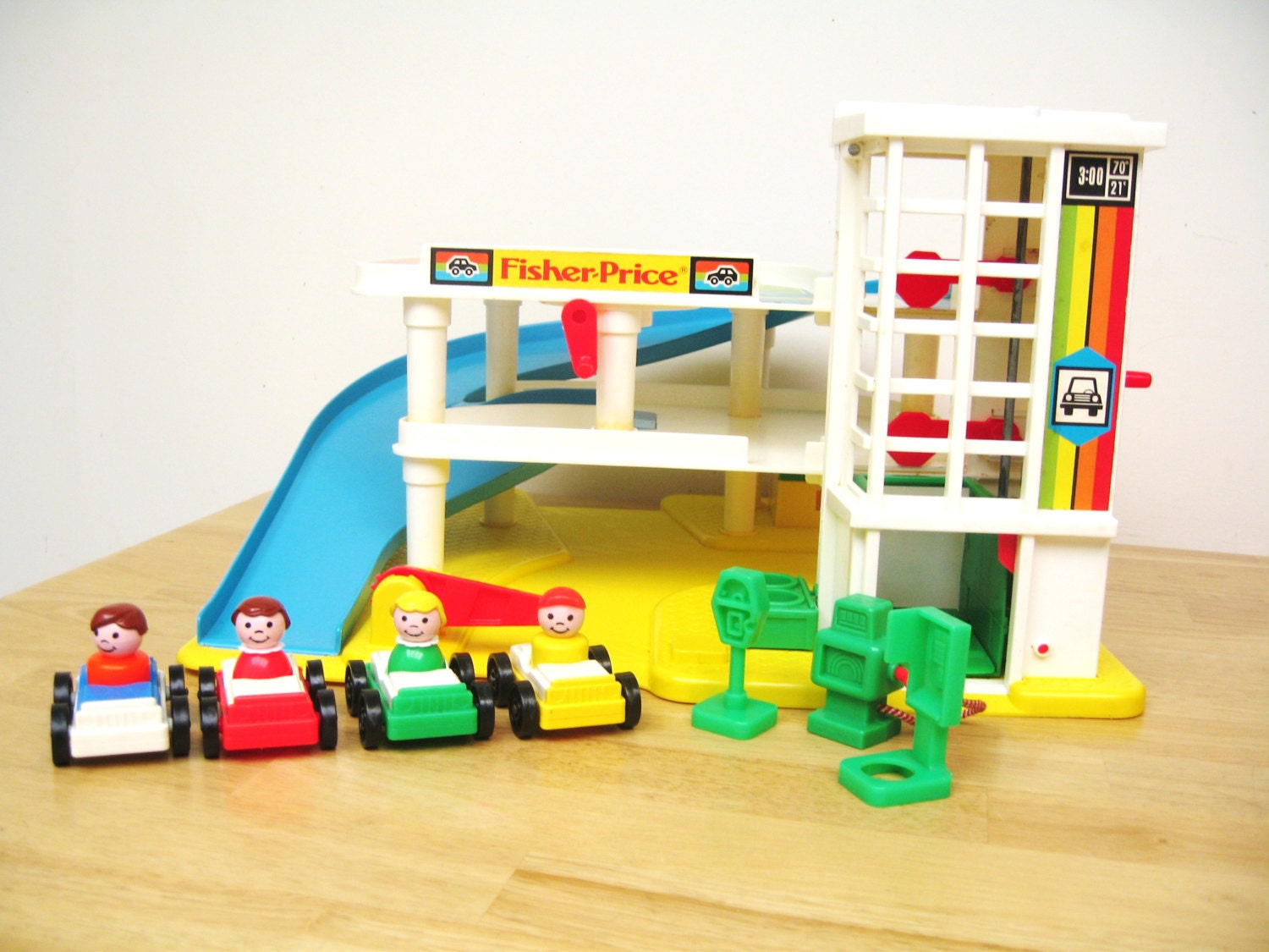 vintage fisher price garage playset by toysofthepast on etsy. Black Bedroom Furniture Sets. Home Design Ideas