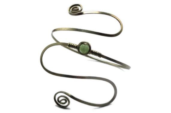 Wire Wrap Romantic Armband with Green Fluorite stone - Upper Arm Cuff - Gemstone Armband - Silver Arm Cuff