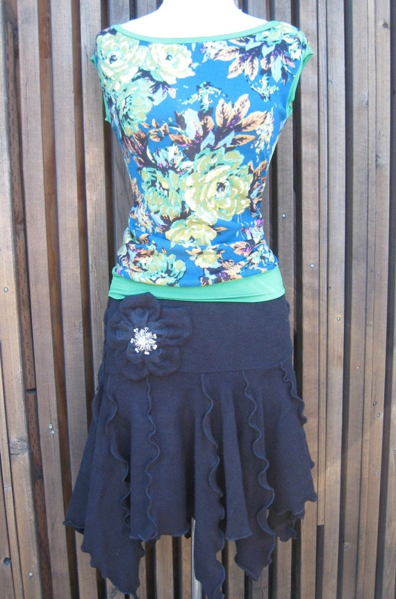 Emerald green and oriental blue floral print tan top plus made in U.S.A