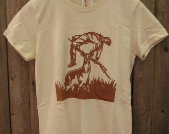 Deer vs Hunter: Women's T-shirt (Natural)
