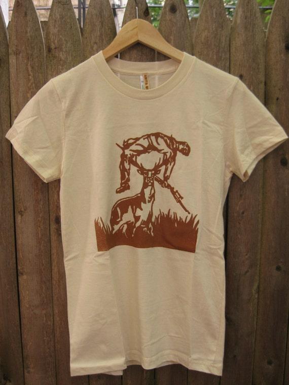 Deer vs Hunter: Women's T-shirt (Natural)