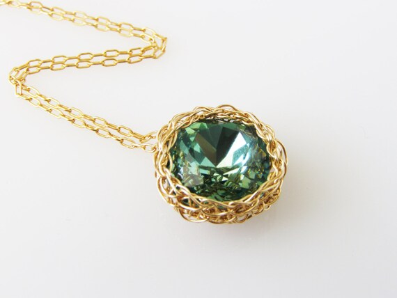 Emerald Green Necklace, Green Swarovski Necklace, Emerlad Necklace, Bridesmaid Necklace, Goldfilled Pendant, Crochet Necklace