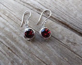 Garnet earrings in sterling silver
