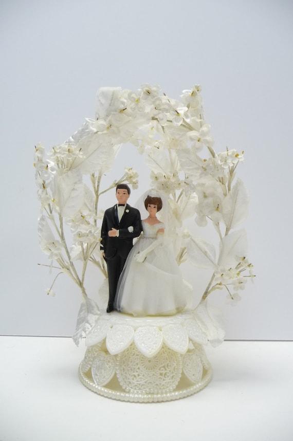 vintage wedding cake topper bride and groom stand heart. Black Bedroom Furniture Sets. Home Design Ideas