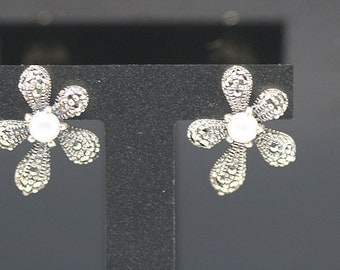 1pair(te-0006) - strling silver earrings with pearl and marcasite