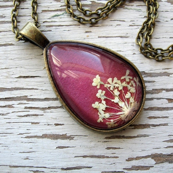 Real Pressed Flower Necklace - Pink and White Queen Anne's Lace Botanical Teardrop Necklace