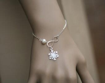Snowflake bracelet,Infinity pearl bracelet,winter wedding gift,Best friends,snowflake and infinity,bridesmaid gifts,wedding bridal jewelry