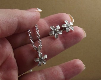 White Flower Necklace Earring Set, Enamel and Silver Flower