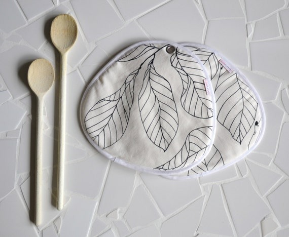 black and white kitchen pair of potholders - minimal kitchen - leaf print - foodie gift