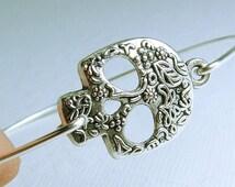 Skull Bracelet, Calavera Sugar Skull Jewelry, Day of the Dead Jewelry, Mexican Sugar Skull Gift, Día de los Muertos, Sugar Skull Bangle Gift
