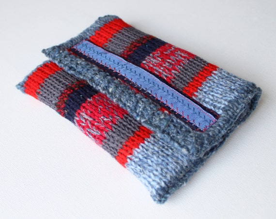 Christmas Eve Hand-knitted Kindle Sleeve - Padded Kindle Cover in Blue and Red for Small eReader such as Kindle