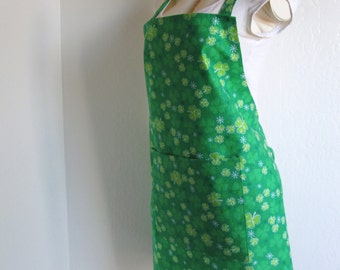 Adult Size Apron - Fun Irish Clover Covered Green Beauty...with a hint of sparkle. Great for cooking or creating in.  Luck of the Irish!