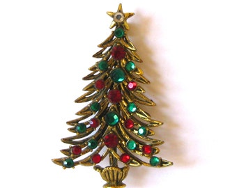 Vintage 50s Hollycraft Gold Jeweled Green & Red Rhinestone Christmas Tree Brooch Pin