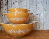 Vintage Pyrex Bowls Butterfly Gold Pattern set of 3 with white flower design