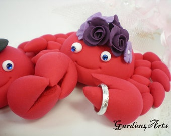 Custom wedding cake topper - Love crab couple with circle clear base