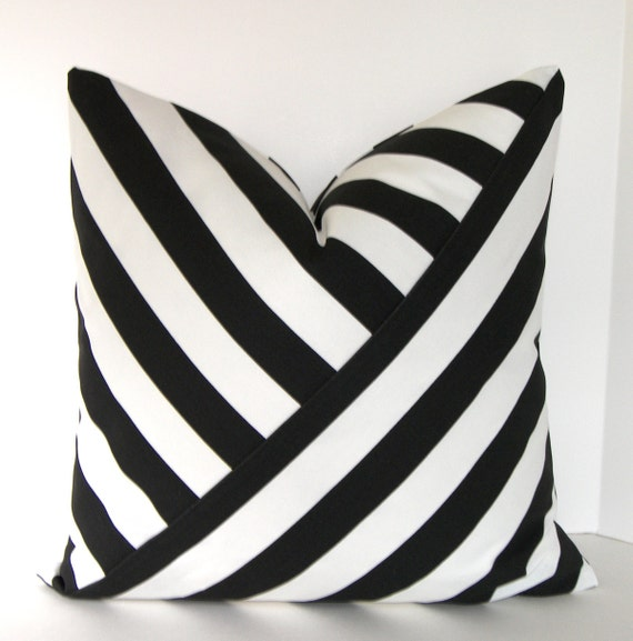 Black and White Stripe Pillow Cover / Accent Pillow / Both Sides