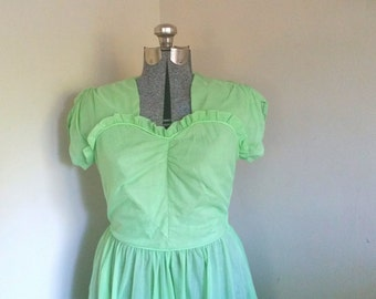 Vintage 1950's Mint Green Dress Sweetheart Neckline