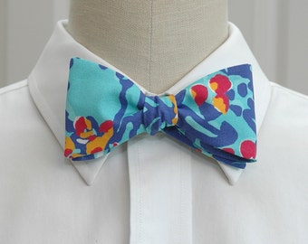 Men's Bow Tie, Lilly iris blue Mai Tai, wedding bow tie, groom bow tie, groomsmen gift, Carolina Cup tie, prom bow tie, turquoise bow tie,