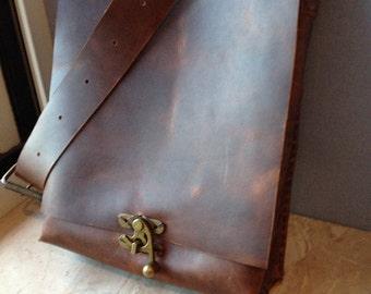 Leather messenger, Chestnut leather laptop bag, Laptop messenger bags, Leather crossbody bag, Handmade leather messenger bag, Handstitched