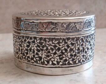 Sterling Round Box Artisan Made Ornate Ring Trinket Presentation Box Vintage Estate E0089