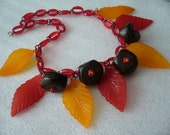 Vintage lucite early plastic wood leaves fruits necklace - bakelite style