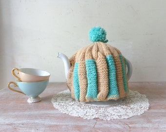 Vintage Crocheted Teapot Cozy in Latte and Aqua