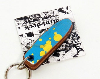 "Recycled Skateboard Keychain - Old school ""Pig"" shape"