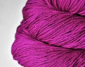 Electric light purple - Merino/Silk Fingering Yarn Superwash