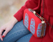 Clutch matryoshkas  red - knitted in red and blue - lanusa