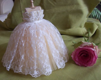 Handmade beautiful miniature dollhouse pale butter cream yellow net and ivory lace 1/12th scale ballgown