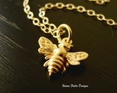 Bee Necklace Jewelry 24K Gold Bumble Bee Queen Bee Honey Bee Mother Day Gift Bridesmaid Jewelry Bridal Party