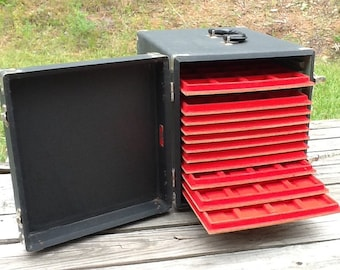 Vintage Collector's Presentation Carrying Case