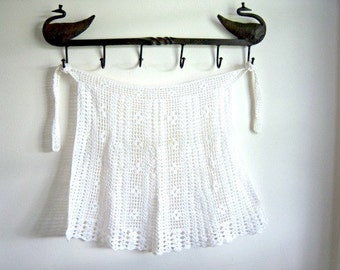 Vintage Handmade White Crochet Apron Small Home Decor New Orleans Vintage Shop Vintage Fashion Holiday Retro Vintage