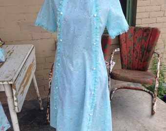 Vintage Housecoat. Light Blue Flower Housecoat.