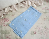 Vintage Blue Embroidered FloralWhite Daisies Daisy  Guest Hand Towel K24