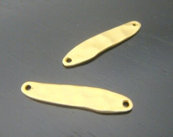 Earring findings, Matte Gold Hammered Bar pendant, connector, charm, 2 pc,  S514253