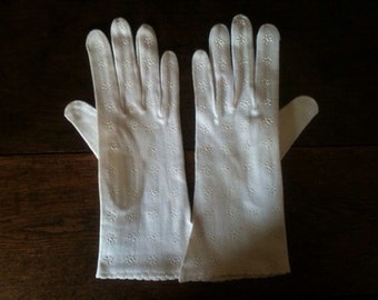 Vintage English Empire White Cotton Wedding Christening Church Hand Gloves Size 6.5 circa 1940's / English Shop