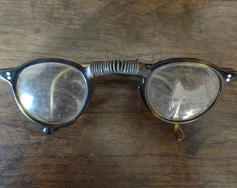 Vintage French Horn Reading Glasses Spectacles circa 1940-50's / English Shop