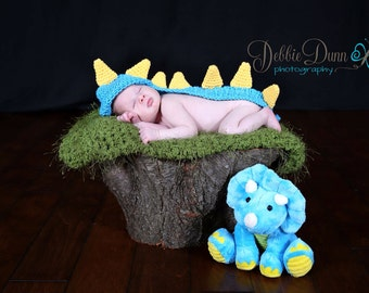 Crochet newborn baby Dino, newborn prop, photo prop