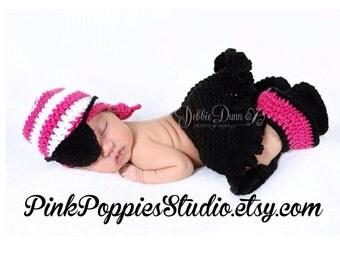 Crochet baby pirate princess, newborn prop, baby prop, photo prop, pirate girl costume, pirate costume, girl pirate, pink pirate