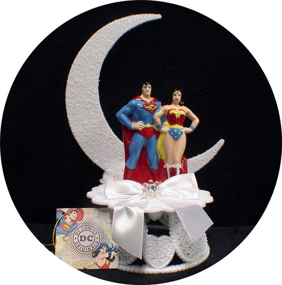 superman and wonder woman wedding cake toppers dc superman amp wonderwomen wedding cake topper 20615
