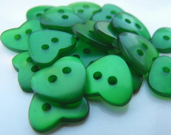 """20 Green Heart 2 Hole Buttons Size 1/2""""."""