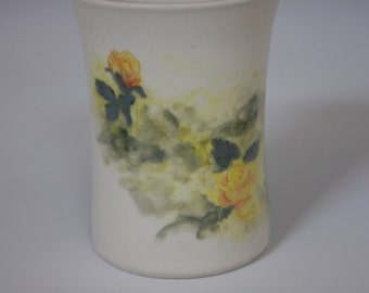 Porcelain cup with yellow roses - 10 oz (300 ml)