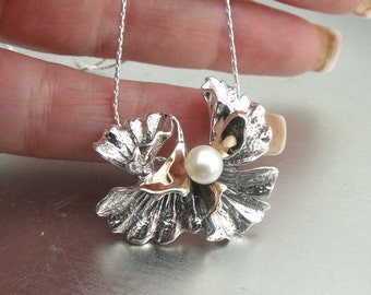 New Israel Handmade flower Design 9K Yellow Gold & 925 Sterling Silver Pearl Woman pendant (s p 2345A)