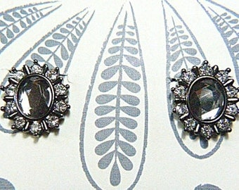 Vintage 1950s Gray Rhinestone Clip Earrings - V-EAR-555