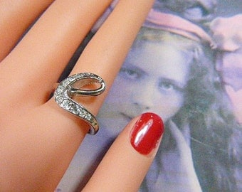Vintage Gold and Rhinestone Ring - Size 8 - R-327 - Gold Ring