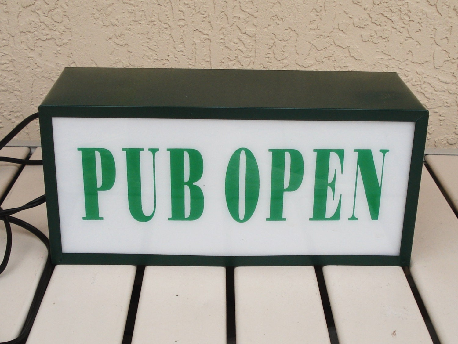 PUB OPEN CLOSED Lighted Bar Sign.