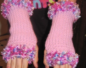 Cuffed Fingerless Gloves - Medium