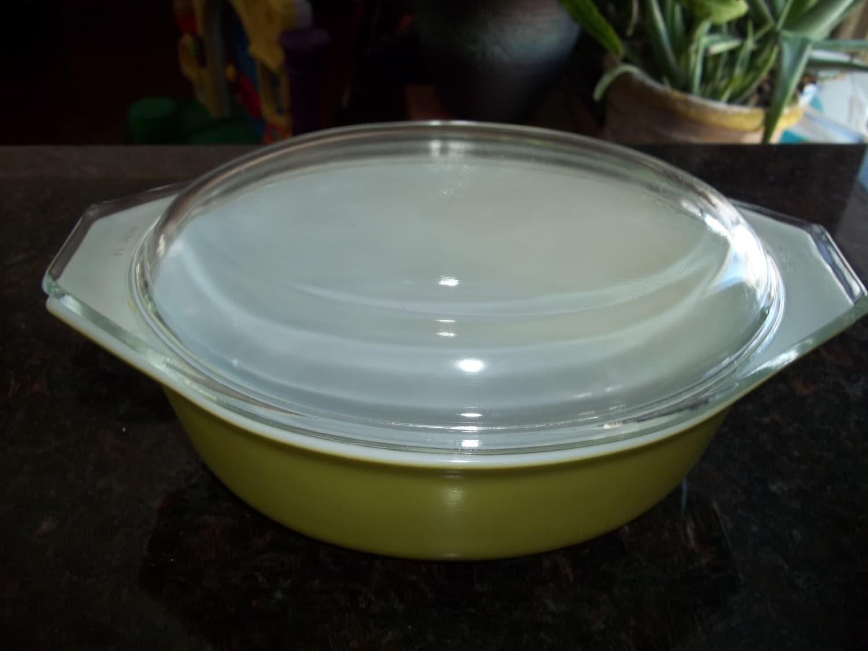 pyrex 043 green verde casserole serving dish for baking with pyrex lid haute juice. Black Bedroom Furniture Sets. Home Design Ideas